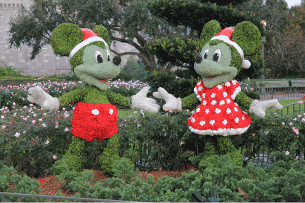 Ultimate Guide to Christmas at Disney World (In 2020)